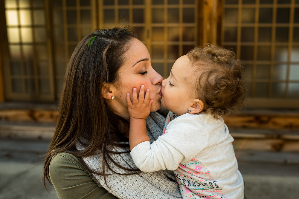 Gaby kisses her daughter Giuliana