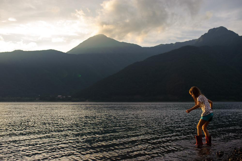 Looking for rocks at Lake Saiko