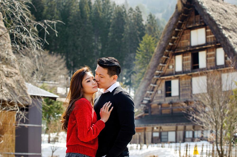 Mika kisses Vivi's cheek
