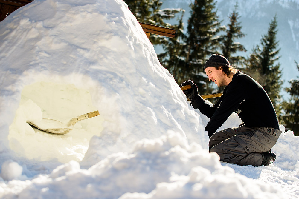 Brad builds a snow house
