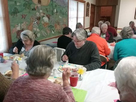 Seniors Ministry Meets at Holly Grove