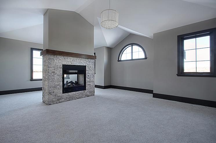 Estate home | Upstairs room - M8TRIX5 Development
