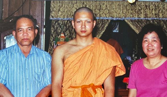master dan nou with his parents_edited.j