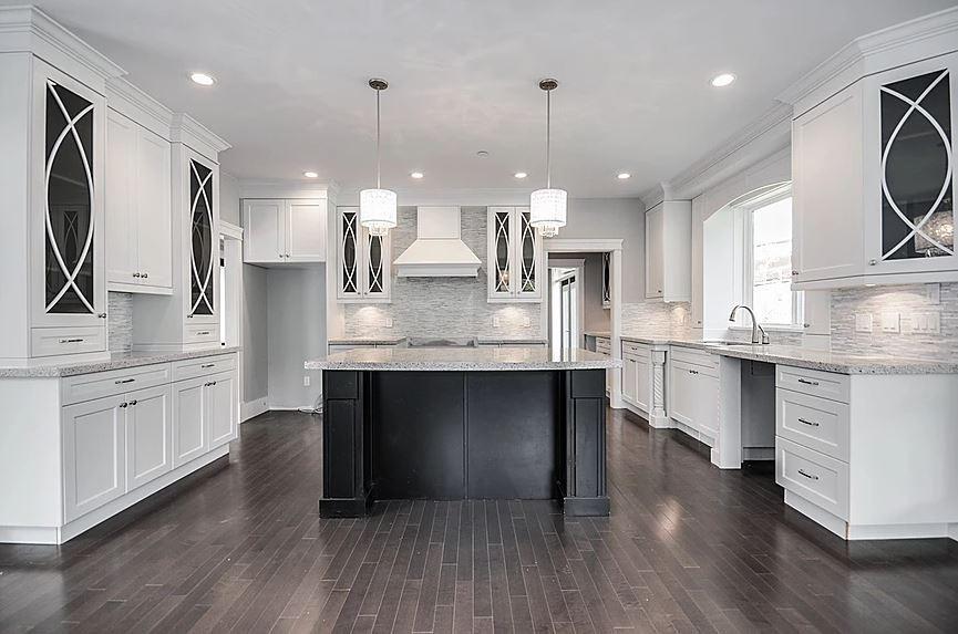Estate home | Kitchen 3 - M8TRIX5.com Development