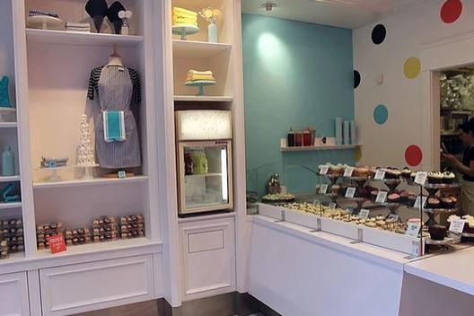 Cupcakes counter.JPG