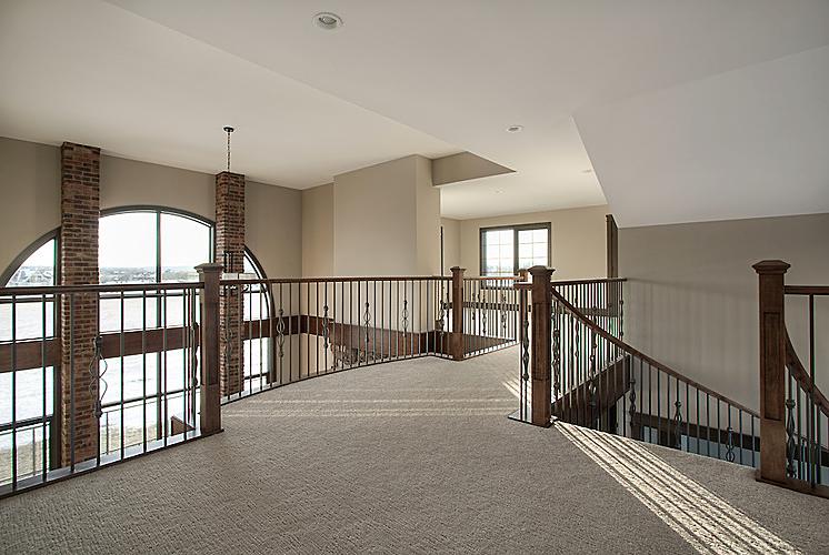 Estate home | Upstairs 2 - M8TRIX5.com Development