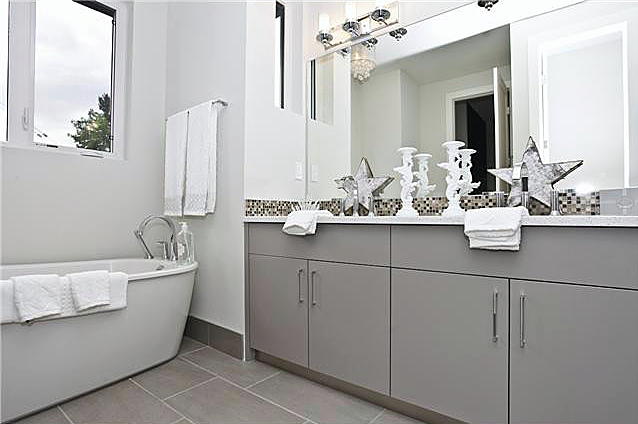 Single family home | Bathroom - M8TRIX5 Development