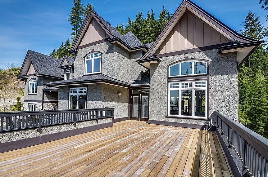 Estate home | Balcony 1 - M8TRIX5.com Development