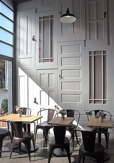Gabi and Jules Bakery | Empty tables/seats - M8TRIX5.com Development