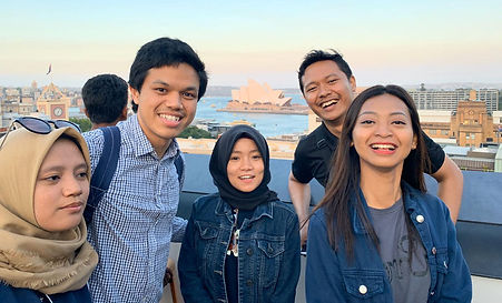 Five Indonesian AIYEP participants standing together with the Sydney Opera House in the background