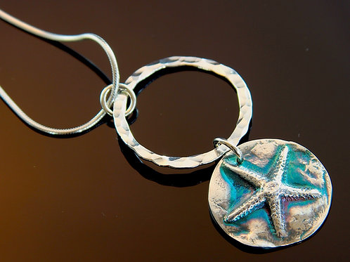 Suspended Star Necklace   18""