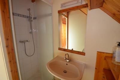 Badkamer 2 Marmotte - mijnfietsreis.jpg