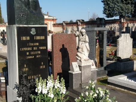 Rubata la statua in bronzo sulla tomba di Libero Ferrario