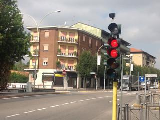 Attenzione ai nuovi strumenti di rilevazione del passaggio con il rosso in prossimità del semaforo t
