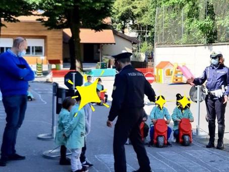 La Polizia Locale insegna l'educazione stradale presso la scuola dall'infanzia di Villastanza.