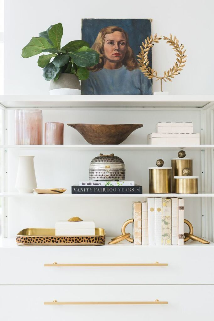 how to decorate a bookshelf and styling ideas Barbulianno Design