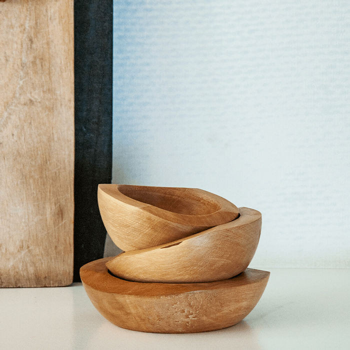 wooden bowls - spa bathroom accessorise