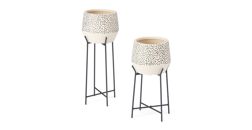 minimal polka dot planter