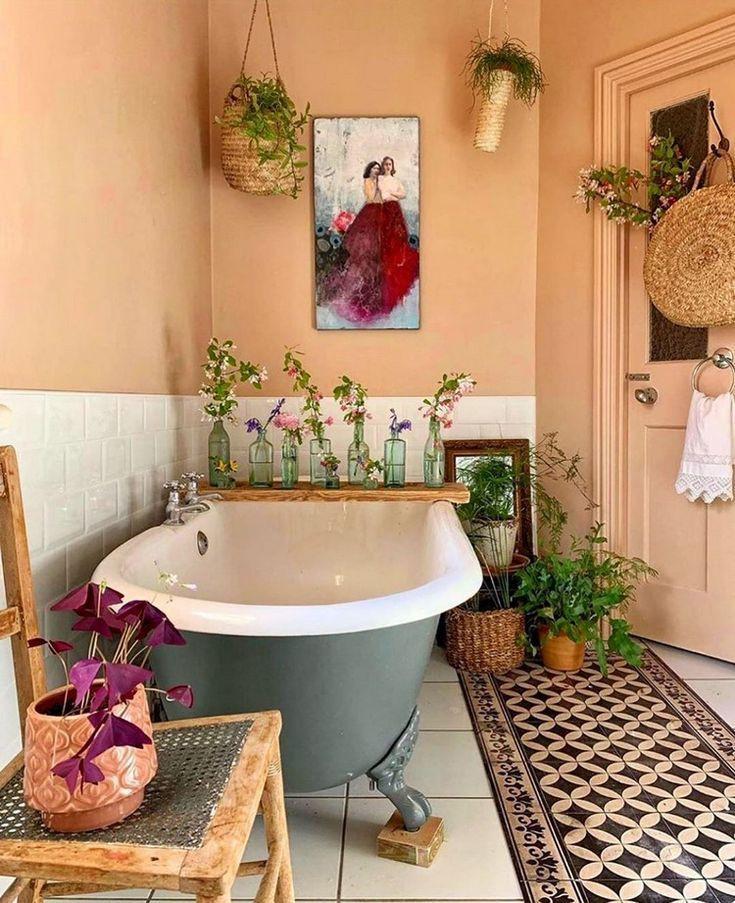 Bohemian bathroom decor on a set budget by Barbulianno Design
