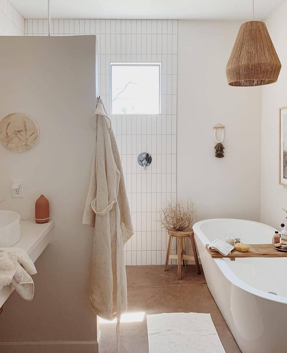 Jute ceiling pendant in spa bathroom