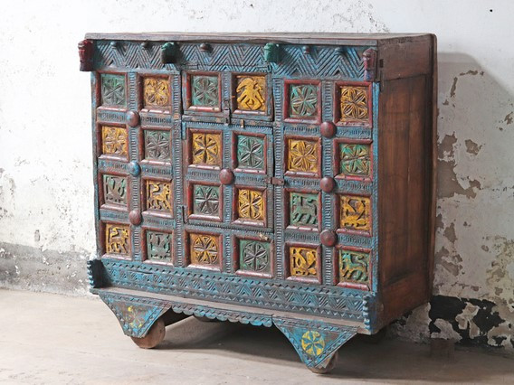 Antique sustainable chest