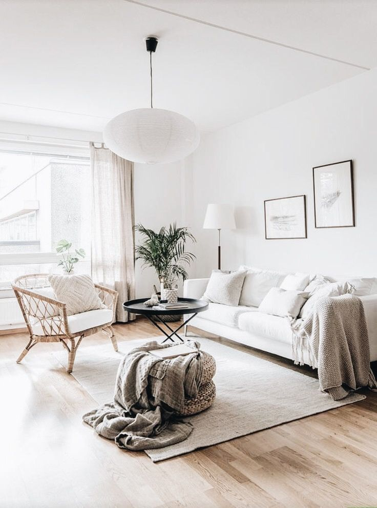how to decorate chic and bright living room
