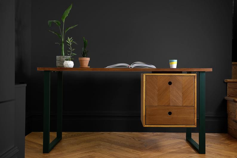 natural wood office desk - perfect for biophilic design
