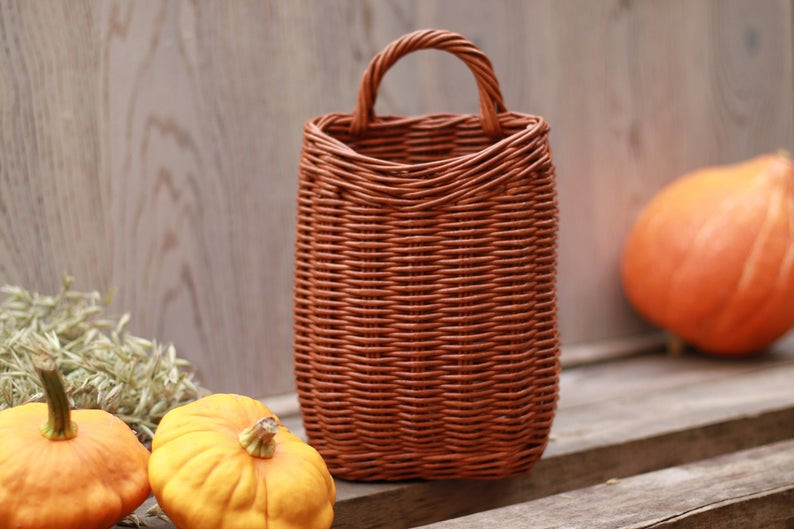 Wicker door autumn basket. Click on the image to shop from the maker
