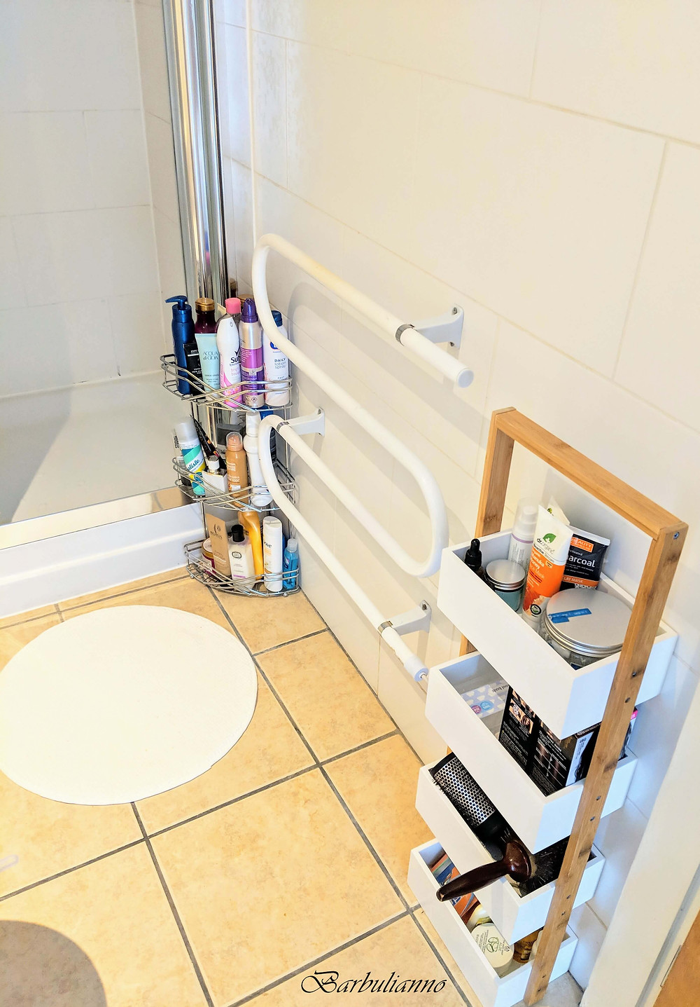 hot to organise small bathroom