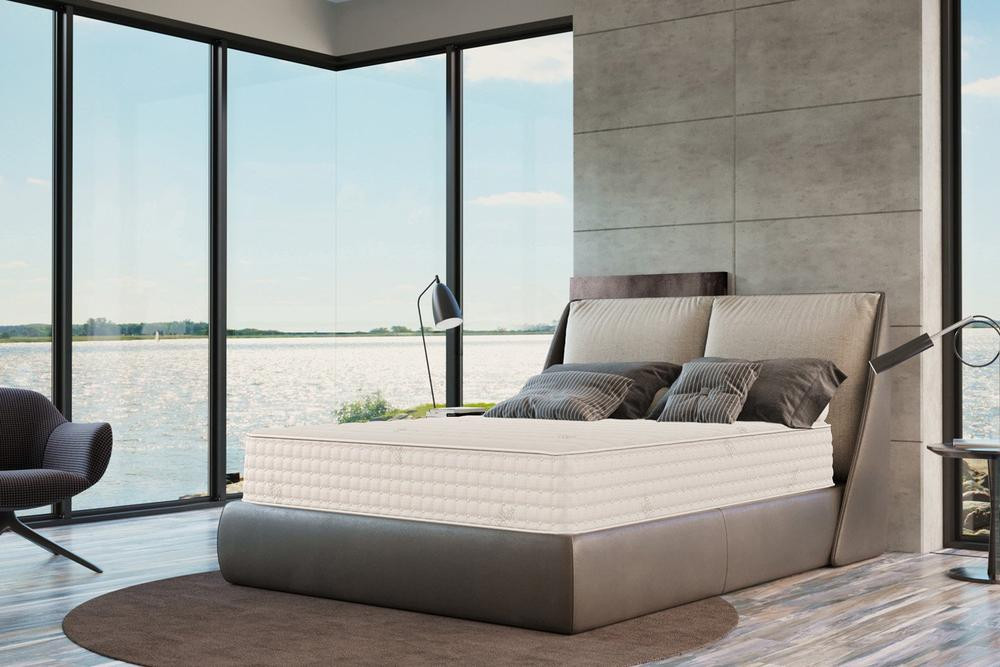Organic mattress for natural sleep by Plush beds.