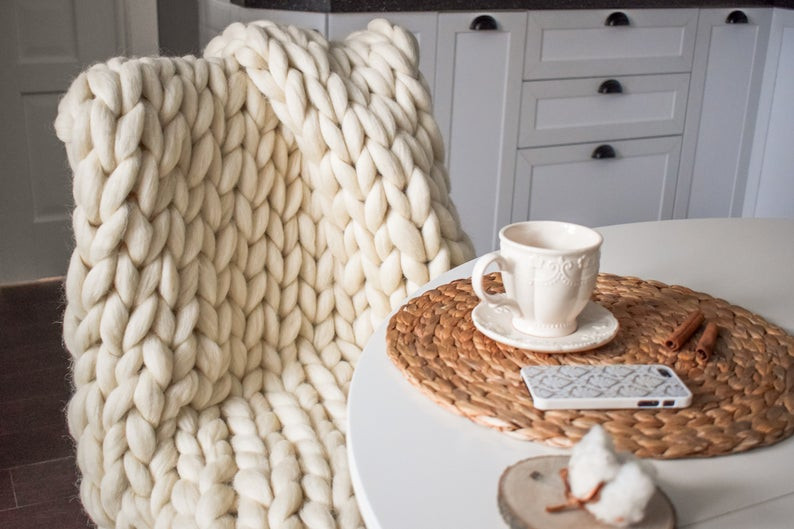 Chunky Nit Blanket for cosy autumn decor