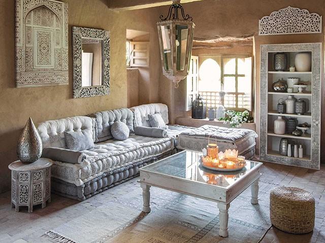 Salon style oriental