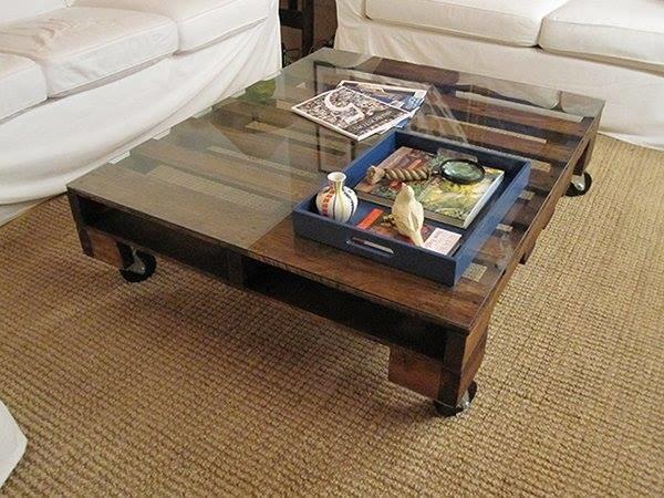 Table basse vitrée en palette