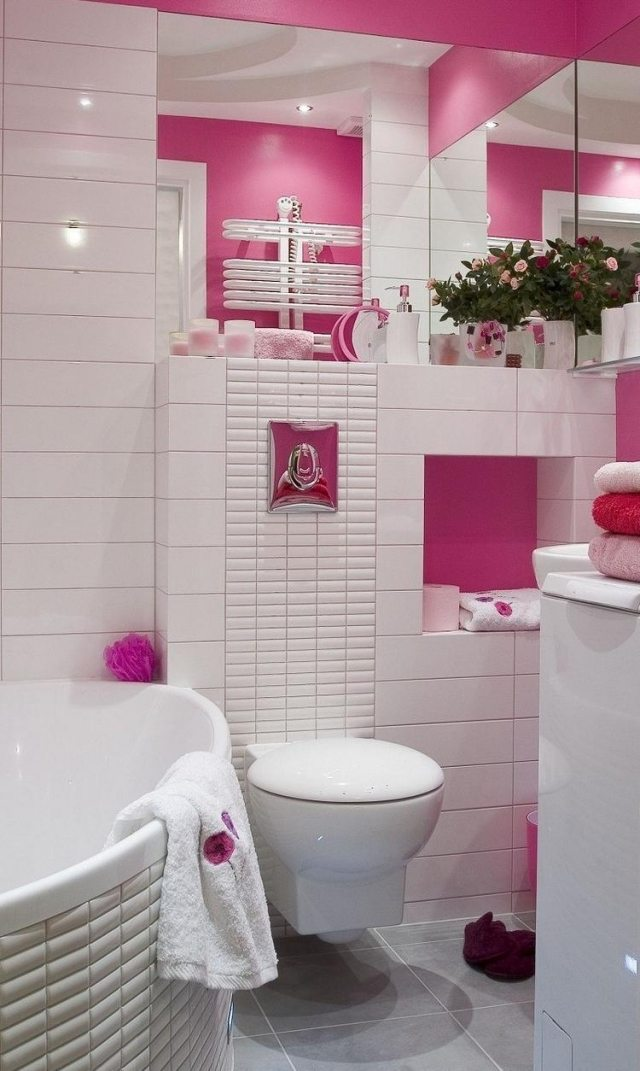 idées-pour-petite-salle-de-bain-accents-roses