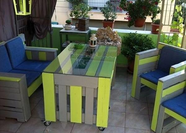 Table de terrasse colorée