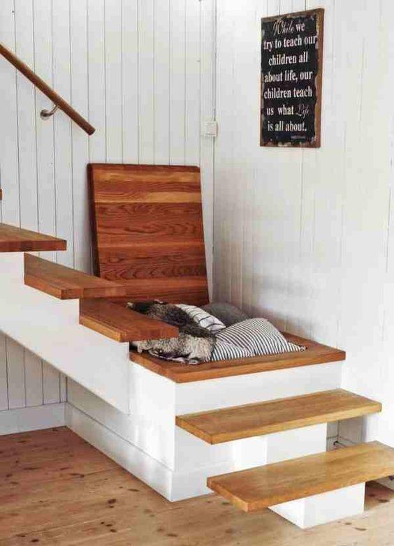escalier bois rangement