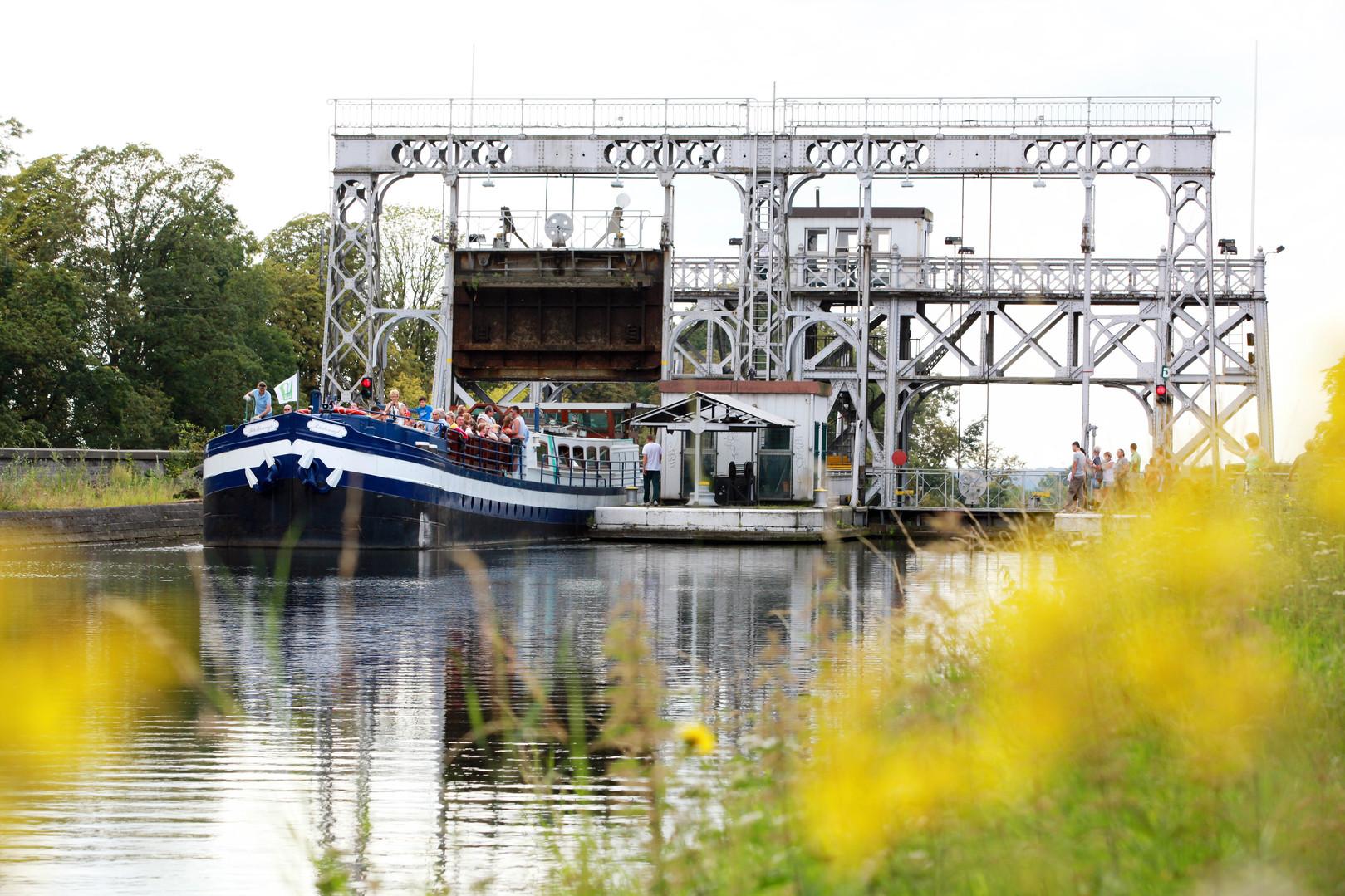 Ascenseurs à bateaux du Canal du Centre historique