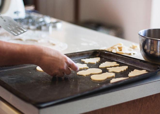 Assando biscoitos de manteiga