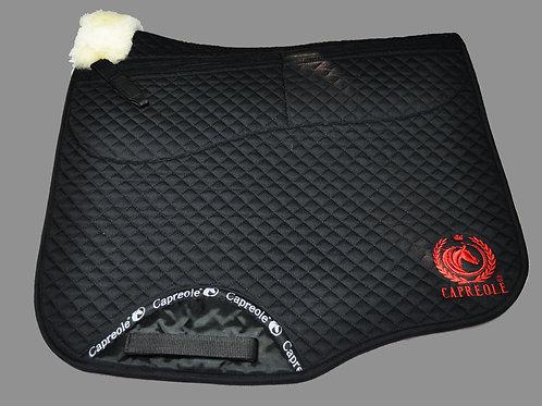 Capreole Lammfell Schabracke mit Korrektur Taschen Dressur schwarz