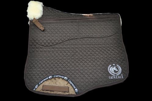 Capreole Lammfell Schabracke mit Korrektur Taschen Dressur braun