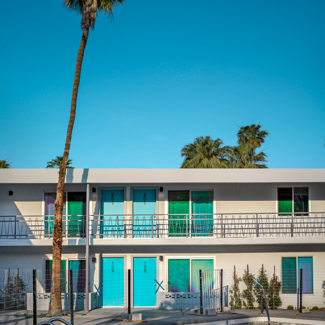 Blue Hotel, Californie