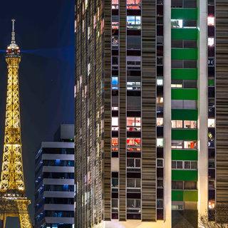 La Tour, Paris