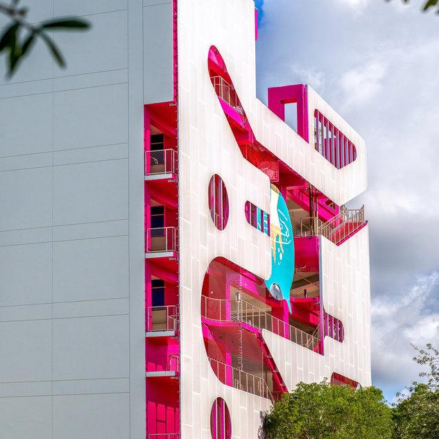 Pink design, Miami