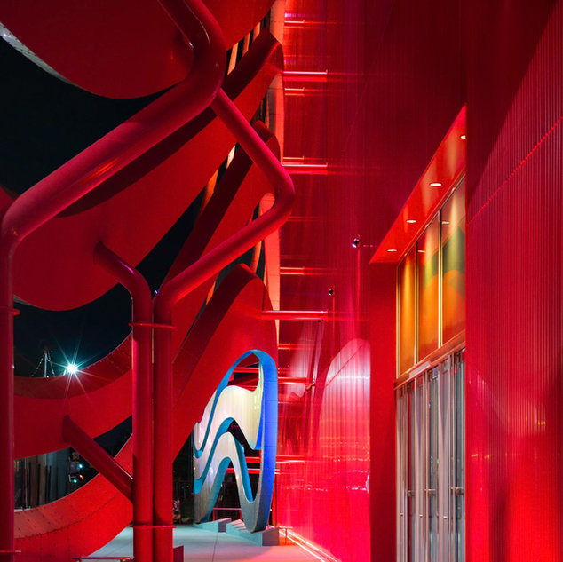 Red structures, Los Angeles