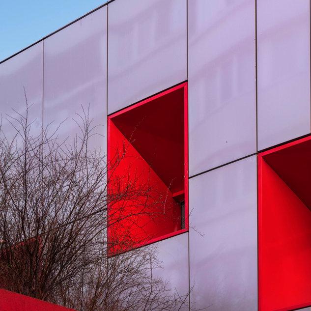 Red Windows, Paris