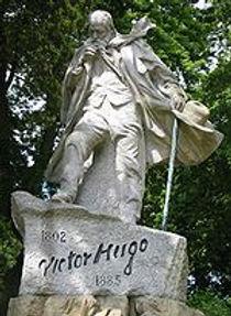 150px-Victor_Hugo_statue_Guernsey.jpg