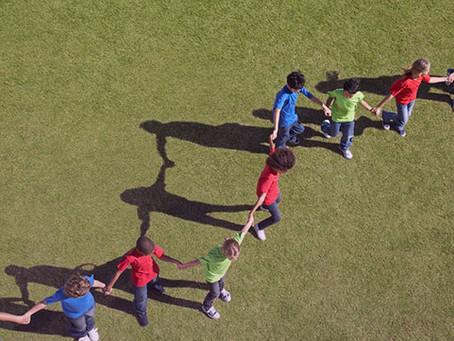 10 Juegos de formación de equipos que promueven el pensamiento crítico