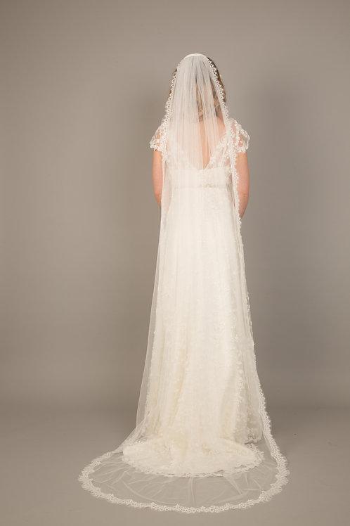 Jessica Long Lace Edge Veil