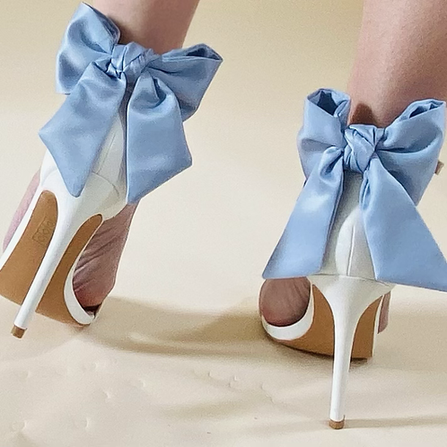 Medium  size Blue shoe bows