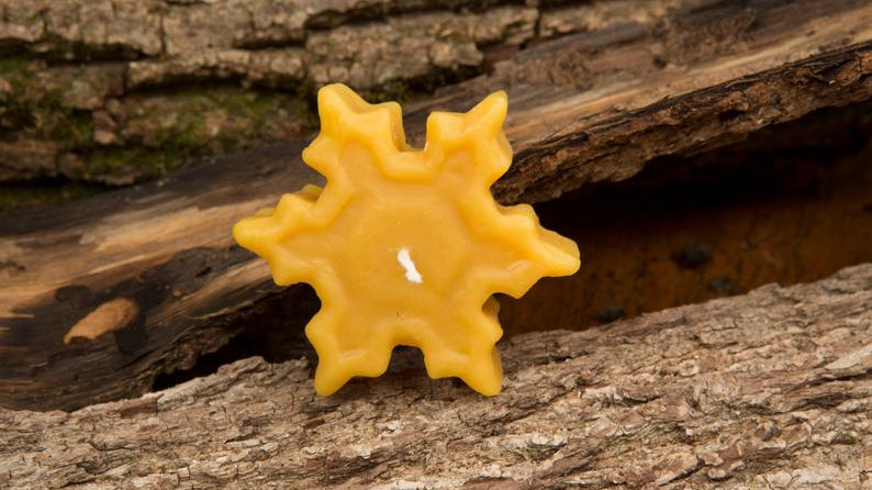 Floating Snowflake Beeswax Candle